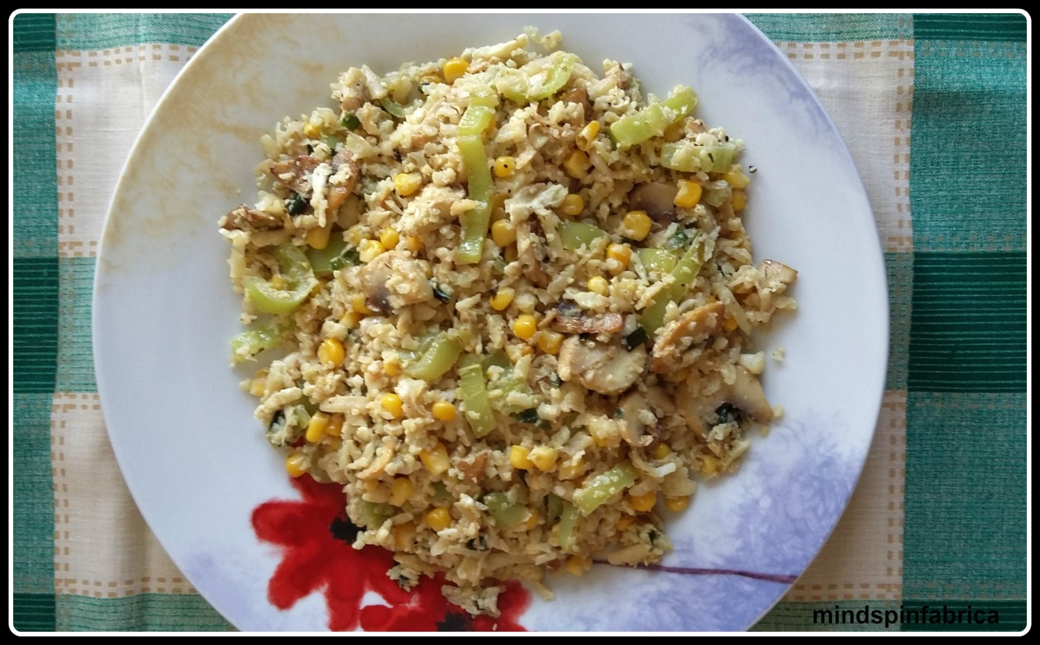 kounoupidoto me laxanika_grated cauliflower