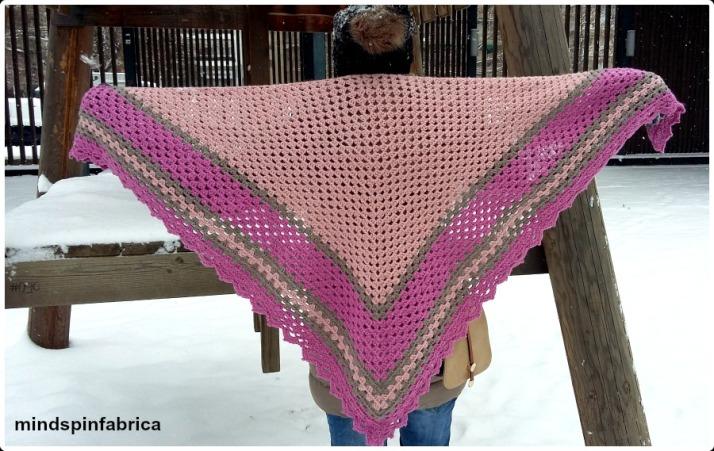 Triangle crochet shawl _mindspinfabrica