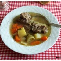 Τέλεια κρεατόσουπα με λαχανικά.My comfort food.