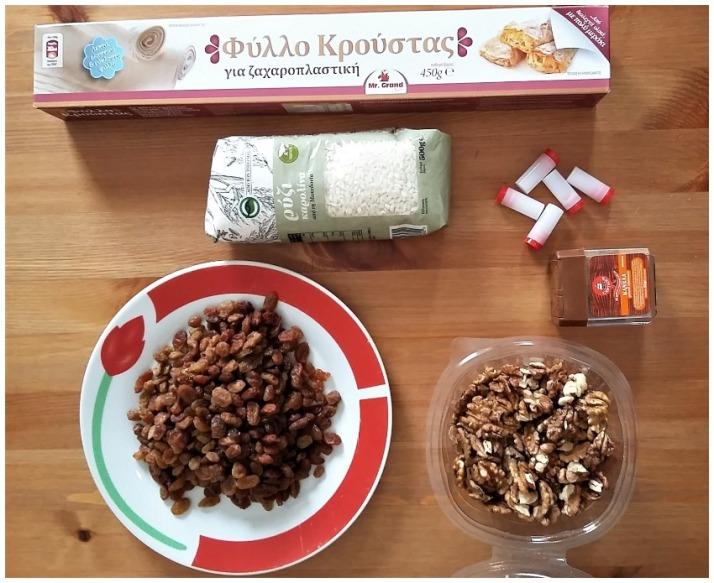 Υλικά για νηστίσιμη γλυκιά ρυζόπιτα με σταφίδες και καρύδια_mindspinfabrica